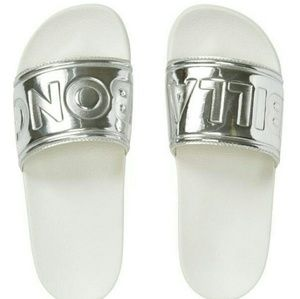 Billabong Slides Size 6 BNWT!